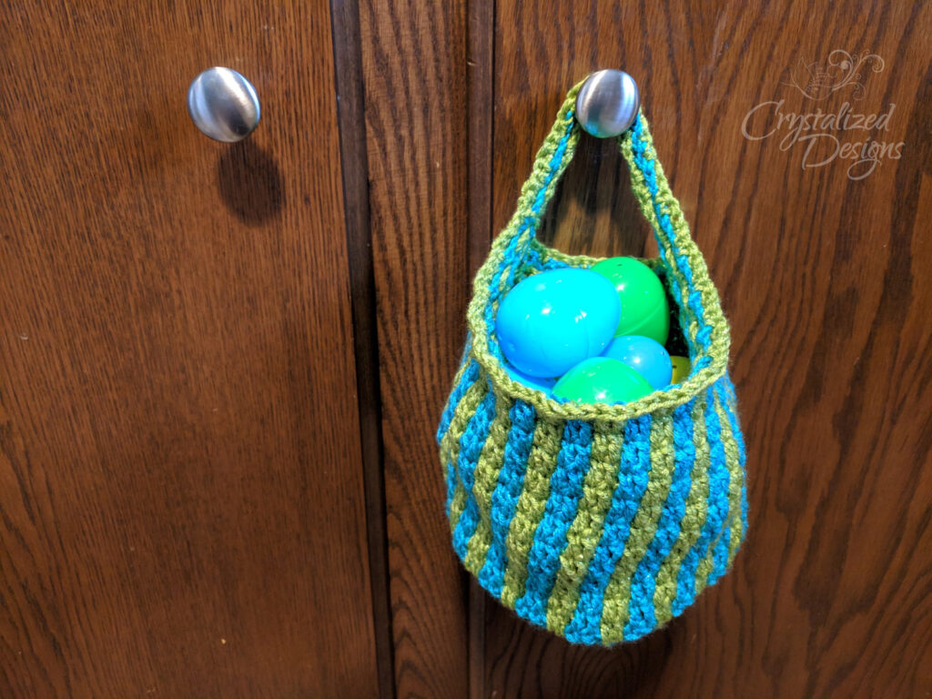 Morando Hanging Basket Free Crochet Pattern by Crystalized Designs